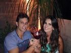 Ex-BBBs Eliéser e Kamilla comemoram um ano de namoro