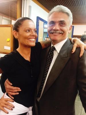 Mocita Fagundes e Tarcísio Filho nos bastidores de Êta Mundo Bom!  (Foto: Mocita Fagundes/Arquivo Pessoal)