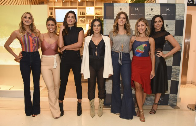 Gisela Sabback, Bruna Cardoso, Mariana Goldfarb, Cleo Pires, Marcella Tranchesi,  Nati Vozza e Luciana Tranchesi (Foto: Lu Prezia)
