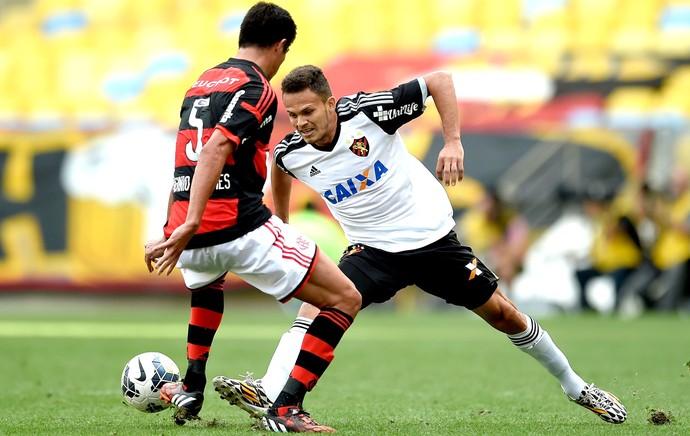 Caceres e Rene Flamengo e Sport (Foto: Getty Images)
