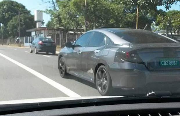 Novo Honda Civic é flagrado em testes no interior de São Paulo (Foto: Rafael Loureiro / Autoesporte)