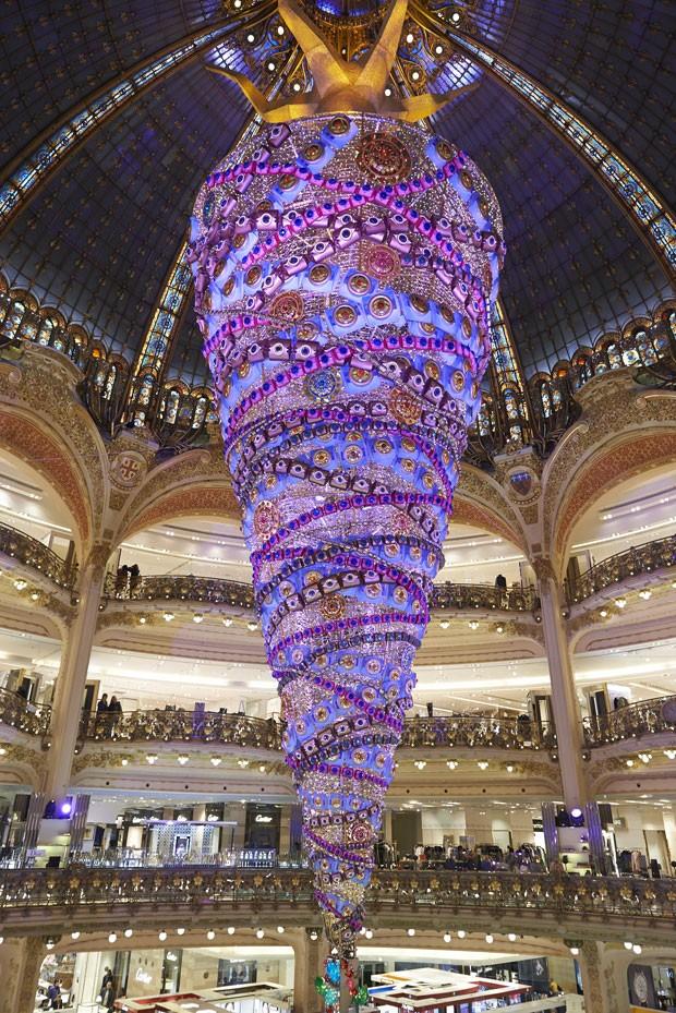 Árvore de Natal das galerias Lafayette foi montada de cabeça para baixo  (Foto: Galeries Lafayette/Divulgação)