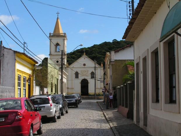 Igreja São Benedito fica em uma das principais ruas da cidade (Foto: Pedro Mathias / Arquivo Pessoal)