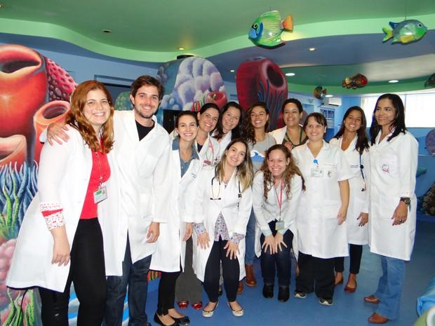 Isis Valverde na visita ao Hospital Federal dos Servidores do Estado (Foto: Divulgação)