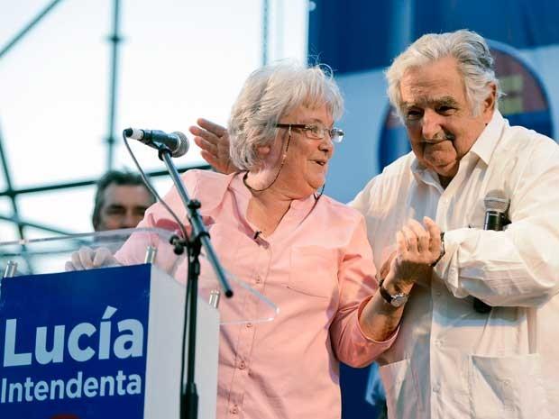 José Mujica e sua mulher, Lucía Topolansky. (Foto: Matilde Campodonico / AP Photo)
