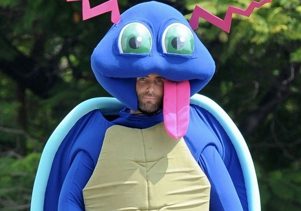 Adam Levine faz pardia de Pokmon no novo clipe do Maroon 5, 'Don't Wanna Know' (Foto: Reproduo)