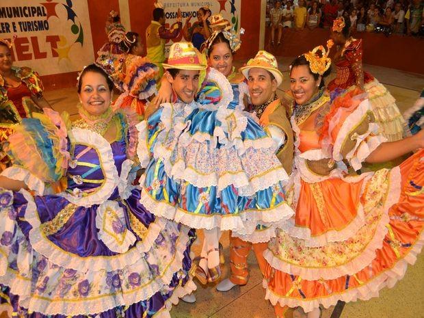 Quadrilha anfitriã se apresenta no Levanta Poeira em Socorro (Foto: Flavio Antunes)