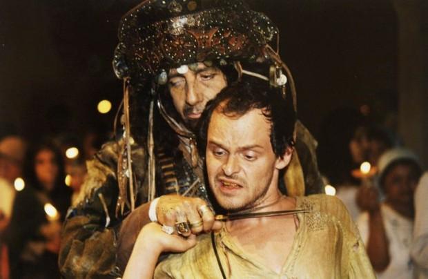Marco Nanini e Matheus Nachtergaele em cena no filme Auto da Compadecida (Foto: Divulgação)