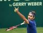 Alemão faz jogo duro, mas Federer estreia com vitória no ATP de Halle