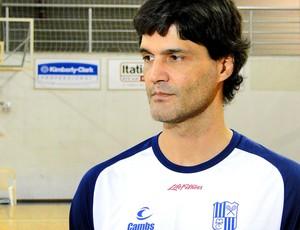 Raul Togni técnico Basquete do Minas (Foto: Tarciso Neto / Globoesporte.com)