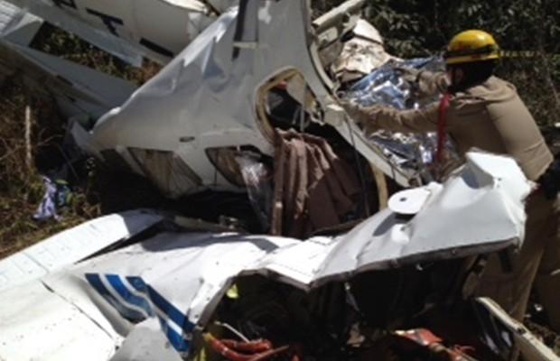 Avião cai e cinco pessoas morrem em Caldas Novas (Foto: Reprodução/TV Anhanguera)