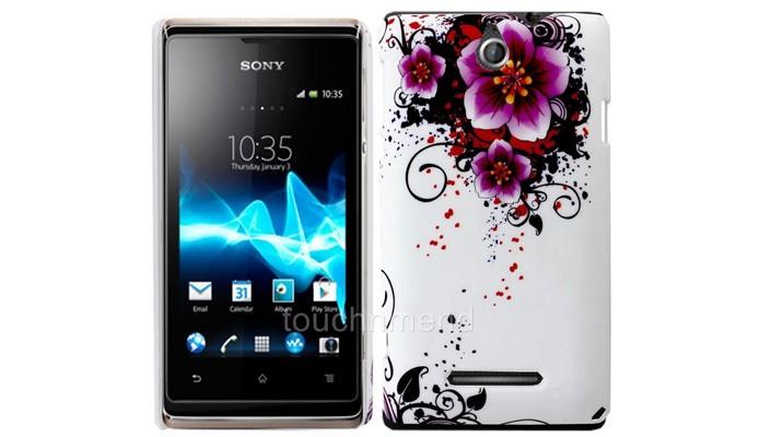 A capa protetora para o smartphone da Sony é feita em plástico rígido (Foto: Reprodução/Ebay)
