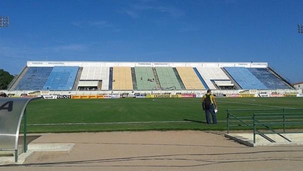 Estádio Domingão, em Horizonte, recebe a partida Uniclinic x Fortaleza (Foto: Roberto Leite / Globo Esporte CE)
