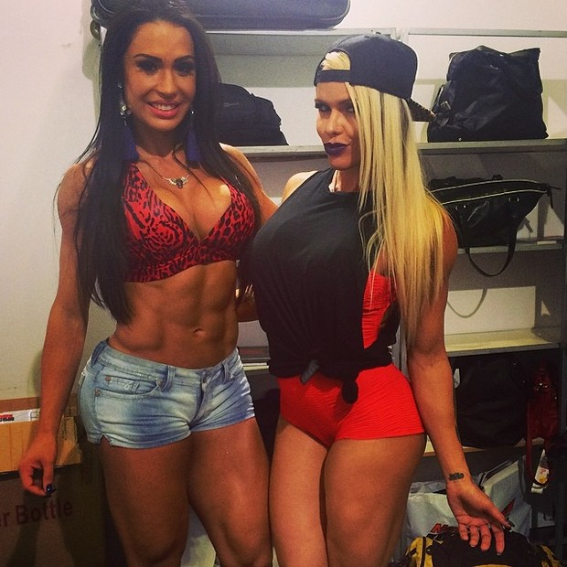 Gracyanne Barbosa e uma amiga (Foto: Instagram)