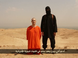 Imagem do vídeo divulgado na internet que mostra a suposta decapitação de Jame Foley (Foto: Reprodução/Archive.org)