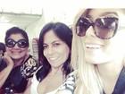 Loiríssima, Anitta posta foto em avião e reclama de turbulência