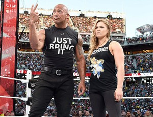 Ronda Rousey com o The Rock