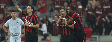Atlético-PR faz  1 a 0 no Botafogo e se recupera no Campeonato Brasileiro (Giuliano Gomes/PR Press)