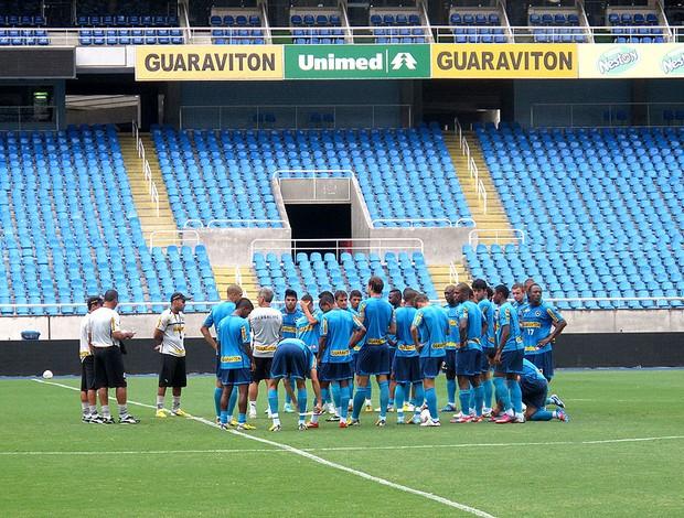 Botafogo treino no campo principal do Engenhão (Foto: Thales Soares)