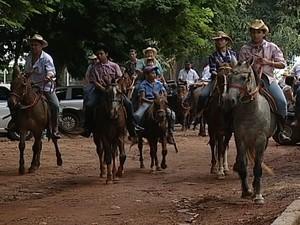 Uberaba cavalgada (Foto: reprodução/TV Integração)