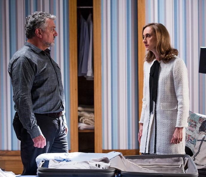 Guido diz para Vitória que já sabe que Felipe está namorando Shirlei (Foto: Ellen Soares/Gshow)