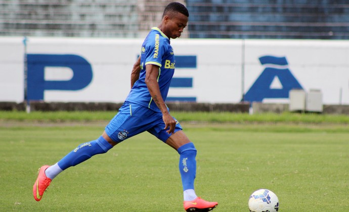 Erik faltas Grêmio (Foto: Eduardo Deconto/GloboEsporte.com)