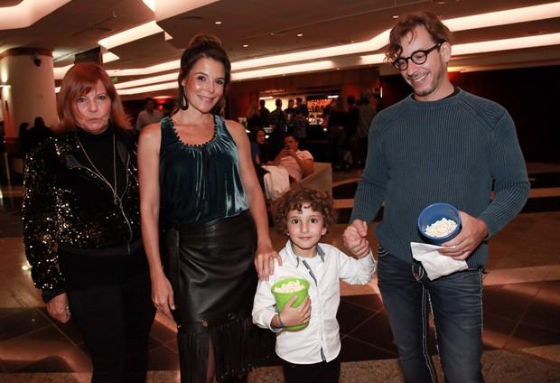 Mylla Christie com o marido, Tutu Sartori, o filho Arthur (Foto: Marcos Ribas/Brazil News)