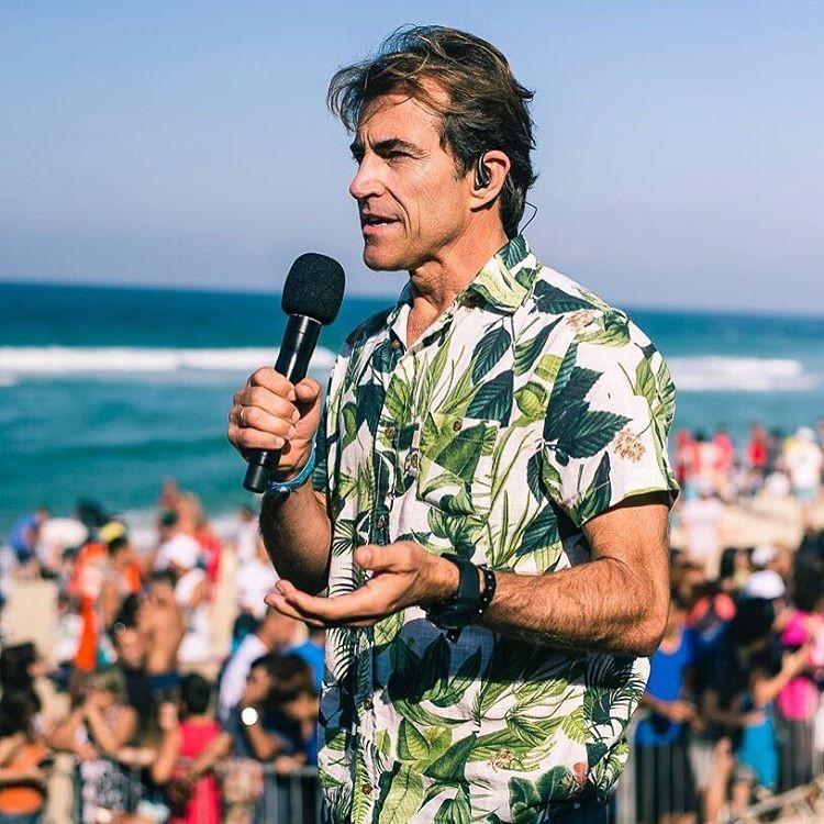Carlos Burle na praia de Itaúna, em Saquarema (Foto: Instagram/Reprodução)