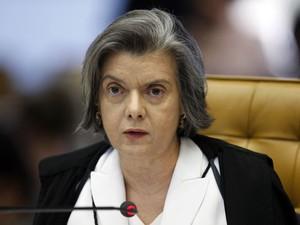 12/9 - Ministra Cármen Lúcia vota pela inadmissibilidade dos embargos infringentes em ações penais originárias de competência do STF (Foto: Nelson Jr./SCO/STF)