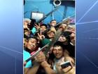 Famílias dizem que agentes recebiam para liberar armas em cadeias do AM