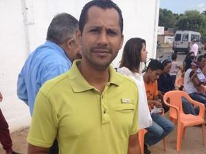 John Jairo está refugiado há três meses no país (Foto: Jackson Félix/ G1 RR)