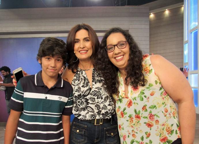 A apresentadora com convidados do programa  (Foto: Carolina Morgado/Gshow)
