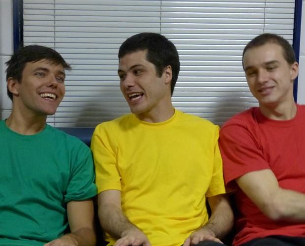 Momentom de descontração entre Jonas, Ricardo e Vinicius antes da grande final (Foto: Caldeirão do Huck/TVGlobo)