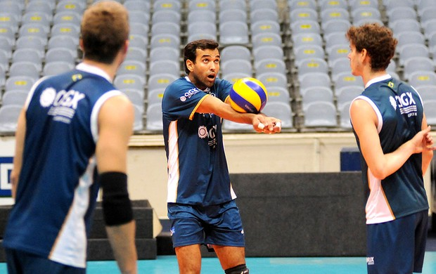 Mario Junior treino vôlei Rio de Janeiro (Foto: André Durão / Globoesporte.com)
