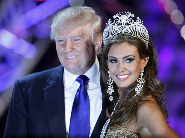 Miss EUA possa ao lado de Donald Trump, co-proprietário do Miss Universo (Foto: Steve Marcus/Reuters)