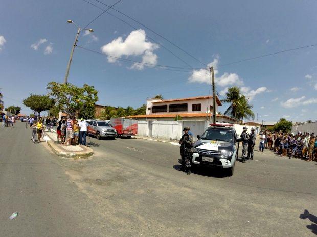 Casa passou por vistoria nessa manhã; marido e cunhados das vítimas foram detidos (Foto: Airton Neto/ Arquivo Pessoal)