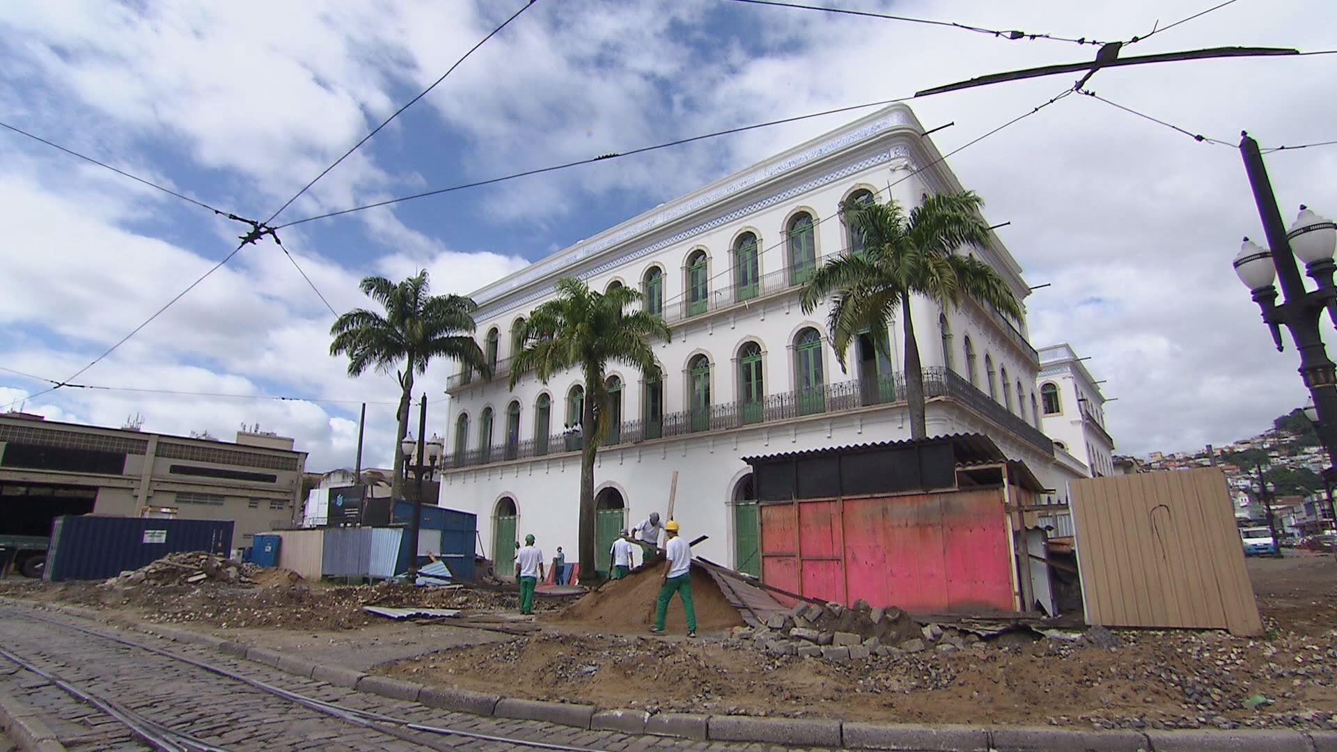 Obras do Museo do Pelé (Foto: Reprodução/TV Tribuna)