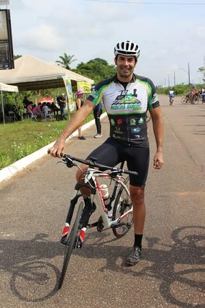 Ciclista Célio Júnior de Souza (Foto: Renato Pereira)