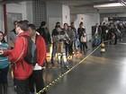 Candidatos fazem fila por 400 vagas em supermercado de Marília