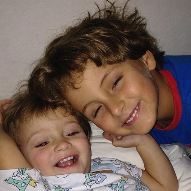 """Filhos de Claudia Leitte fazem bagunça: """"Maior felicidade ..."""