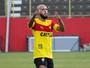 Fifa condena XV a pagar R$ 258 mil a clube búlgaro por retorno de Paulinho