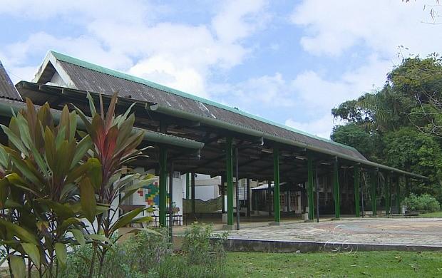 No campus da Universidade Federal do Amazonas ele utilizou estruturas de aço (Foto: Amazonas TV)