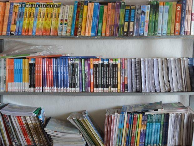 Mais de 1,5 mil livros usados e bem conservados são revendidos a casa feira (Foto: Marina Fontenele/G1 SE)