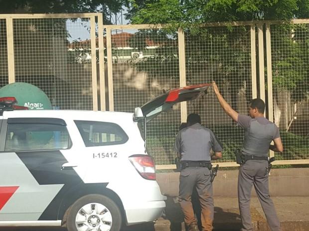 Três são presos junto com grávida por roubo a banco em Morro Agudo (Foto: Site EA1.com.br/Divulgação)