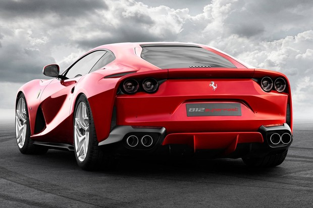 ferrari revela 812 superfast  seu carro mais potente e