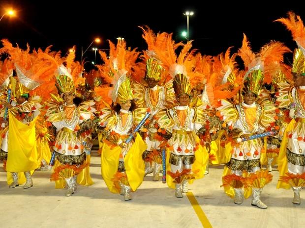 Bloco Tradicional Os Fenomenais, campeão do grupo B de 2015. (Foto: Divulgação/AMBC)