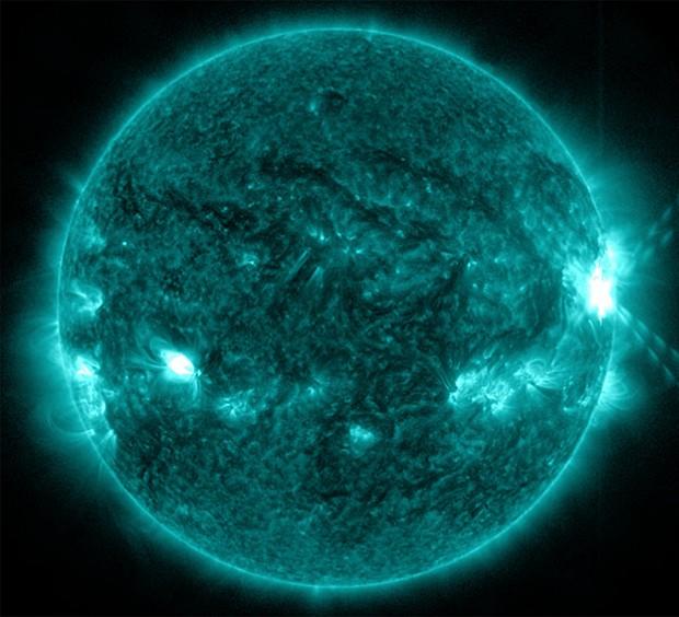 Imagem feita à 0h03 do domingo (27) pelo Observatório de Dinâmica Solar da Nasa (Foto: Nasa/SDO)