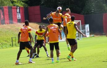Vitória trabalha bola parada e fecha preparação; clube divulga relacionados