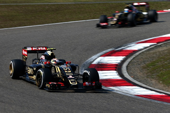 07ae98eb61a3 Pastor Maldonado e Romain Grosjean no GP da China  dupla da Lotus em 2015 (
