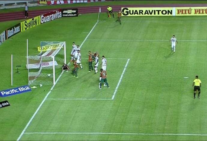 Com gol ol�mpico, Sampaio supera Tupi-MG e chega � 2� vit�ria na S�rie B